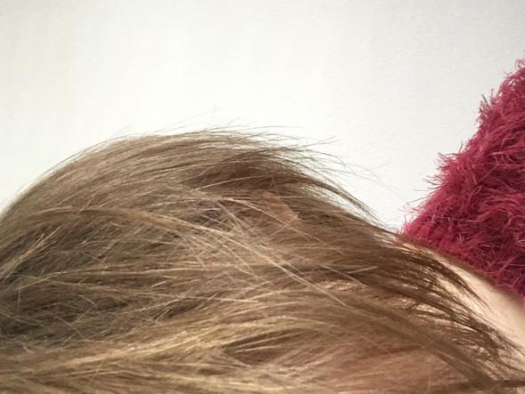- (Haare, Haarfarbe)