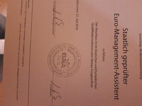 Habe ich eine staatlich anerkannte Berufsausbildung bzw kann ich damit sagen dass ich eine abgeschlossene kaufmännische Ausbildung habe?