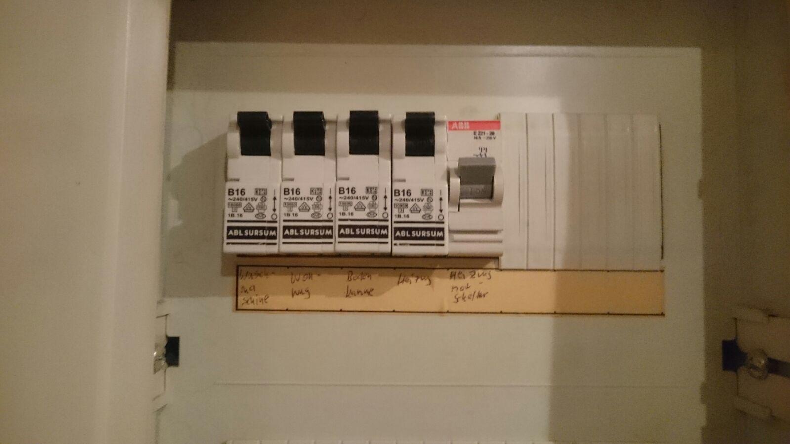 habe ich einen fi schutzschalter elektrik elektriker fi schalter. Black Bedroom Furniture Sets. Home Design Ideas