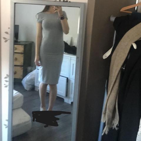 Ich stehe dort etwas komisch, aber in Kleidern sieht es am schlimmsten aus!😕 - (Gesundheit, Gesundheit und Medizin, Körper)