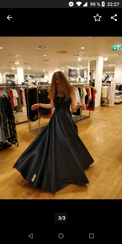 Habe mein Freund erwischt wie er mein Kleid anhatte