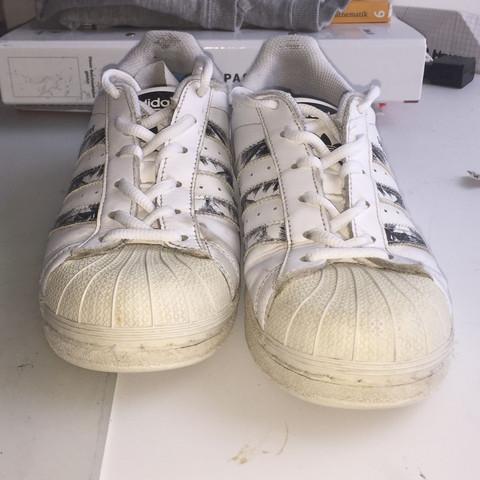Halt Acrylfarbe Auf Meinen Schuhen Mode Schuhe Farbe
