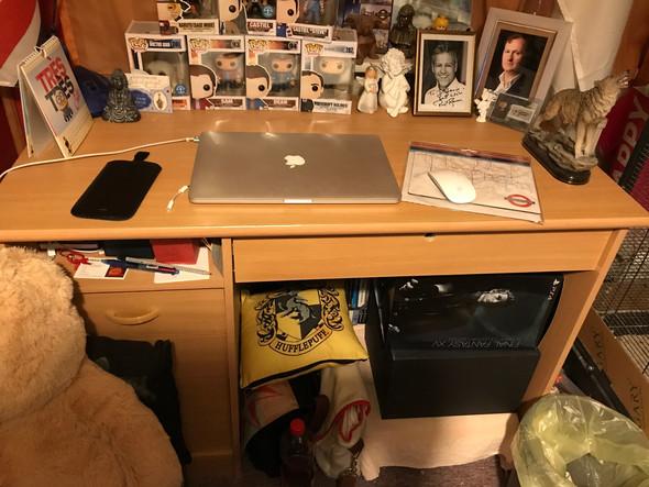 Hält der Schreibtisch diesem Gewicht stand?