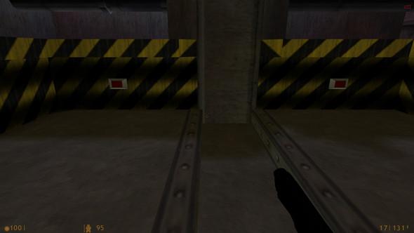 Der Aufzug fährt runter. - (Spiele, Gaming, PC-Spiele)