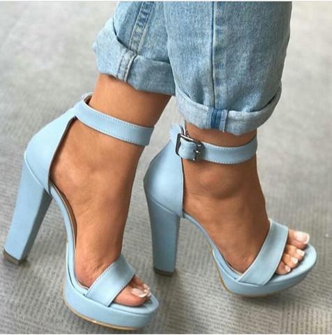 Wo findet man diese schöne Schuhe  - (Kleidung, Schuhe, Klamotten)