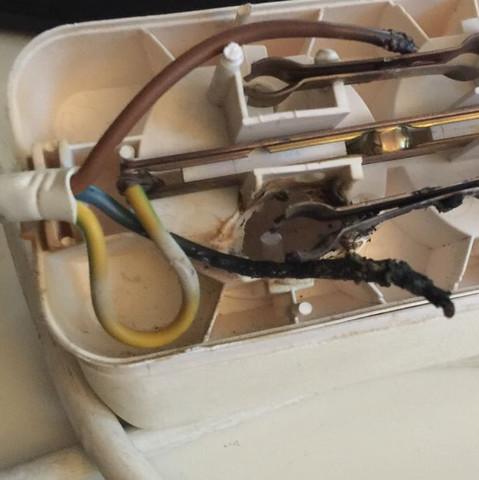 Innen   - (Elektrik, Kurzschluss, Wäschetrockner)