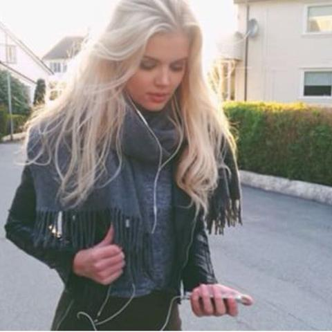 Hallo Ich Wollte Fragen Wie Teuer Es Ist Schon Blonde Haare Beim