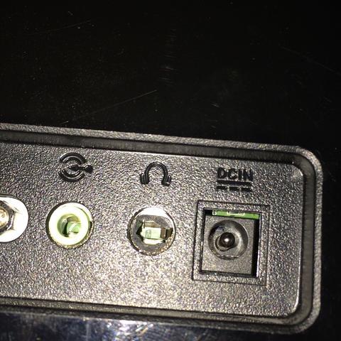 Das Loch in der Mitte  - (Computer, Kopfhörer, Monitor)