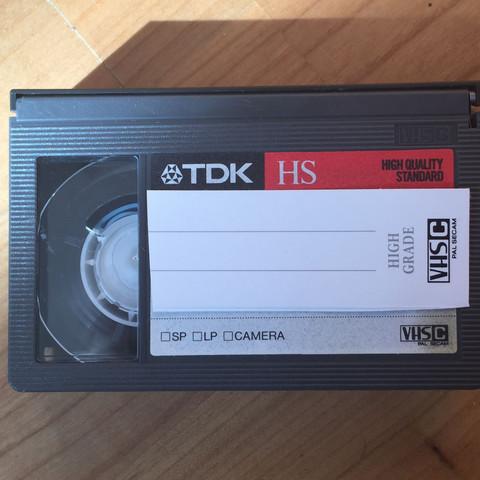 VHS-C Kassette mit Alten Aufnahmen. - (Film, VHS, kassette)
