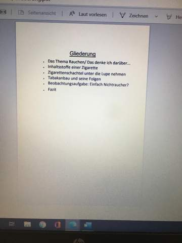 Hallo, ich muss ein Inhaltsverzeichnis für meine Portfolios herstellen. Es sieht, aber sehr leer aus und ich weiß nicht das ich dort noch hin machen könnte.?