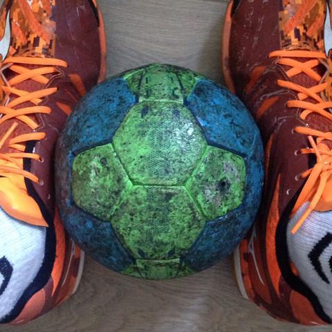Das schwarze ist gemeint  - (Handball, Wachs, Select)