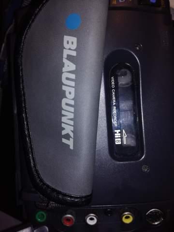 Hallo kann mir jemand sagen wie ich die viedeos von der hi 8 kasette einer blaupunkt fv 896 auf den pc bzw stick ziehen kann?