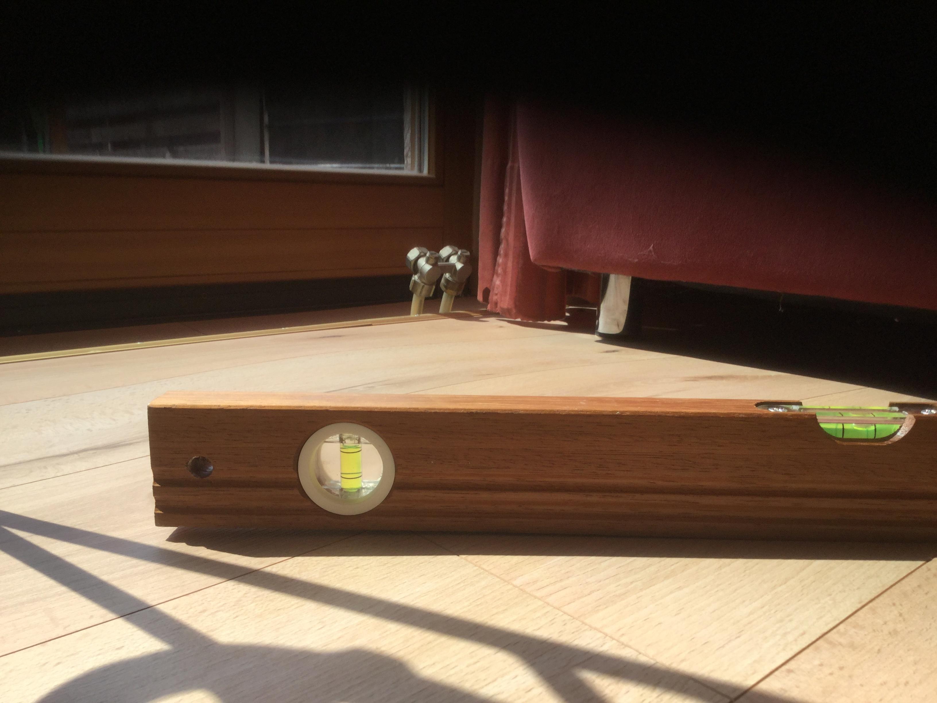hallo wer kann etwas zu dem verlegen des fu bodens neo classen wood sagen habe ihn letztes jahr. Black Bedroom Furniture Sets. Home Design Ideas