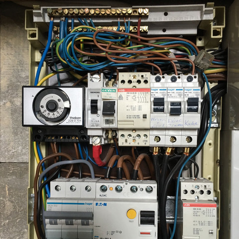 Stromkasten - (Strom, Steckdose, stromführende)