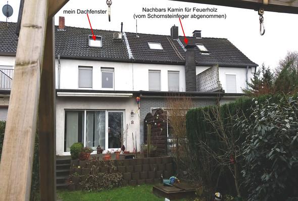Nachbar' Kamin, vom Schornsteinfeger abgenommen. - (Nachbarschaftsstreit, Rauchbelästigung, Kami zu niedrig)
