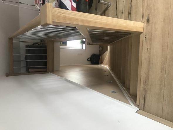 Hier ein Bild von der Treppe - (Haus, Dachbofen)
