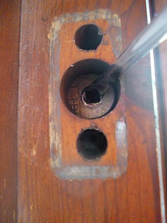 Hier sieht man, dass das Innenteil der Mechanik Spiel hat - (Reparatur, Fenstergriff, Fenster kaputt)
