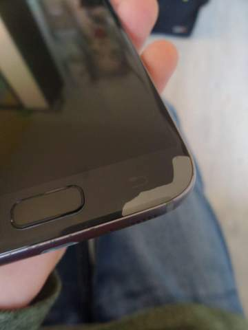 Handy ist runtergefallen, komische graue Flecken?