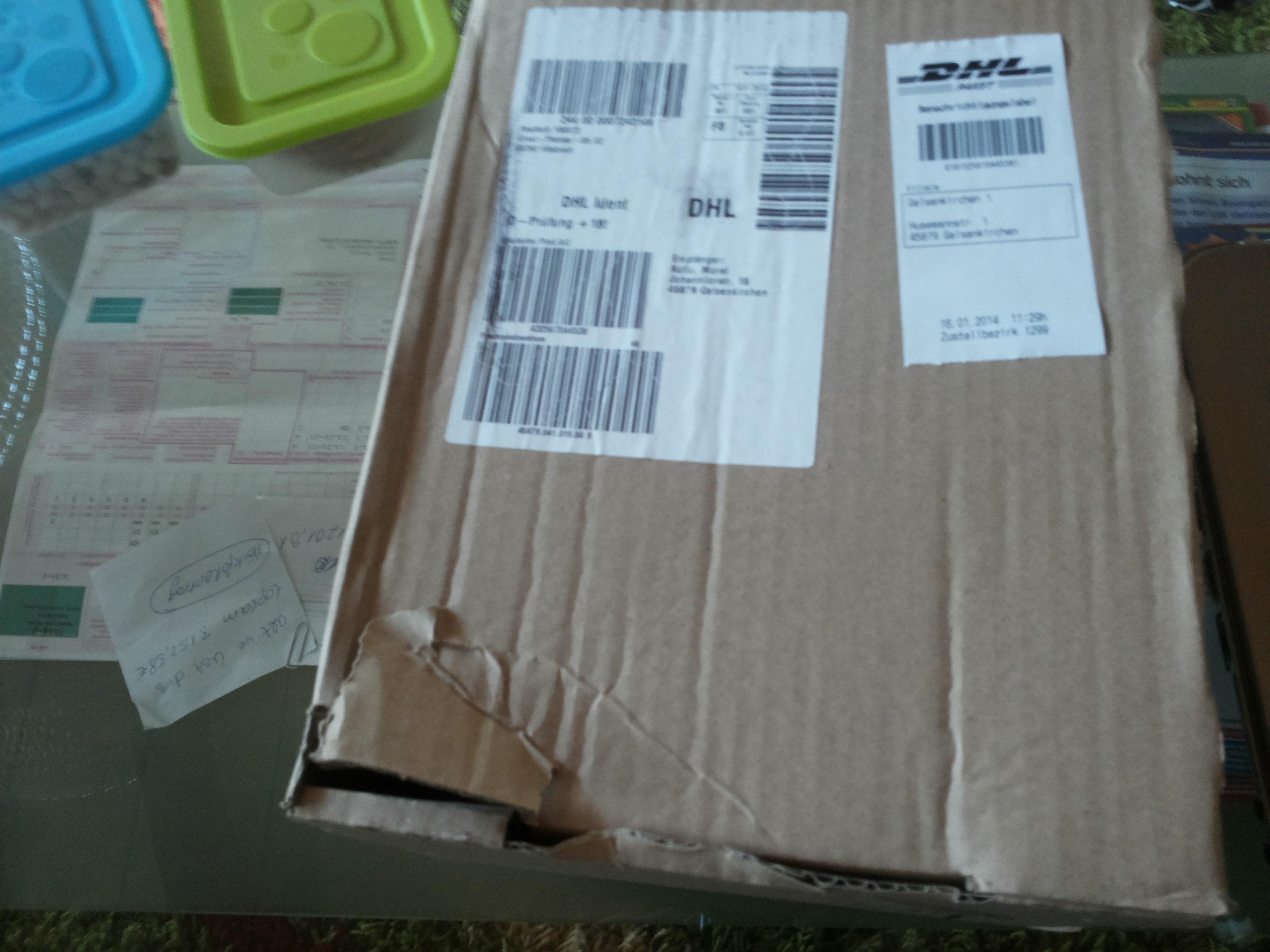 handy von o2 mit dhl ist dieses karton normal paket. Black Bedroom Furniture Sets. Home Design Ideas