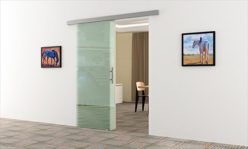 har jemand erfahrungen mit dem einbau einer glasschiebet r renovierung innenausbau glast r. Black Bedroom Furniture Sets. Home Design Ideas