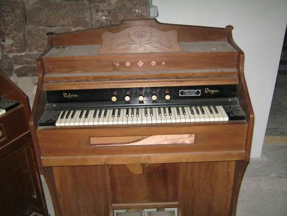 Harm - (Instrument, Tasteninstrument, Harmonium)