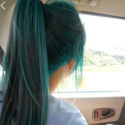 Blaue haarfarbe ohne blondieren
