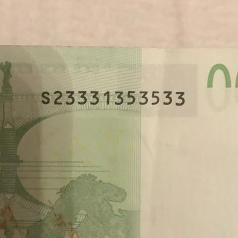 gleiche Zahlen, die nur von einer anderen Ziffer unterbrochen werden - (Freizeit, Finanzen, Seriennummer)