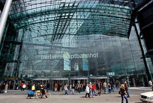 Hat der Berliner Hauptbahnhof 24/7/365-Betrieb?