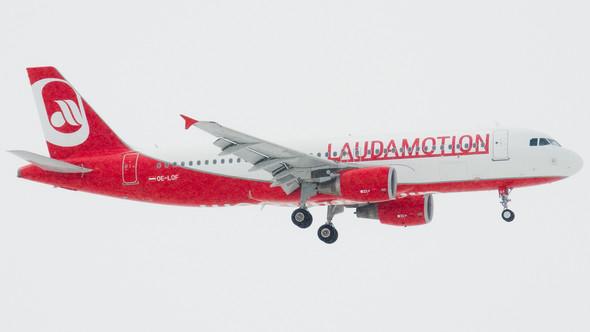 - (Flugzeug, fliegen, Fluggesellschaft)