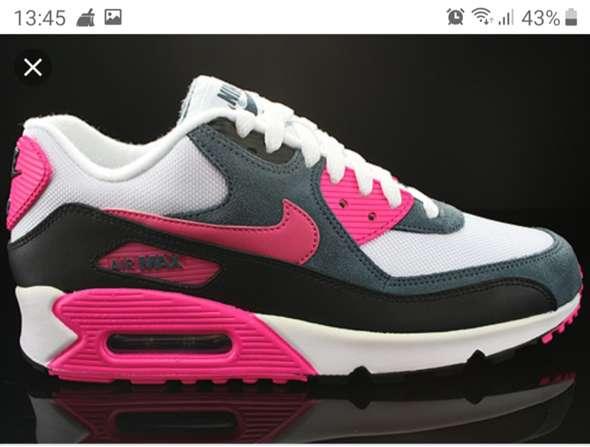 Hat jemand ein Link von diesem Schuh? (Nike, Sneaker, Nike