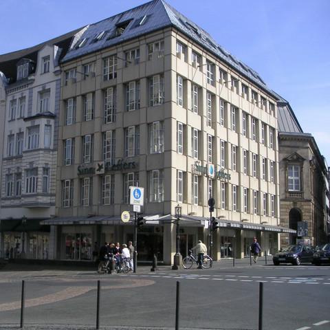 SinnLeffers - (Kunst, Architektur, Beschreibung)