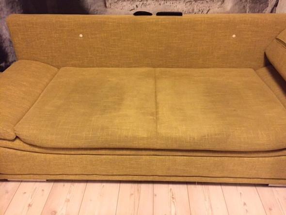 hat jemand einen tipp f r mich bzgl fleckenentfernung couch stoff reinigung flecken sofa. Black Bedroom Furniture Sets. Home Design Ideas