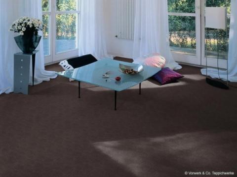 Hat jemand zu Hause einen braunen Teppich verlegt (Schlafzimmer ...