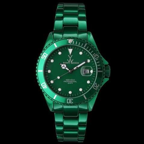 Hat wer diese Uhr auch gesehen und kann mir sagen wie sei heißt?