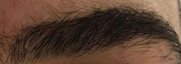 Hatte mir vor knapp 2 Monaten die Augenbrauen ganz abrasiert - wann werden die wieder ganz voll (mit Bild)?