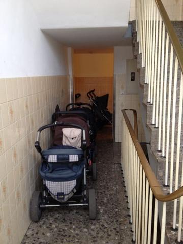 Hausflur voller Kinderwagen.. Vermieter kontaktieren oder was tun?