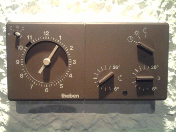 Theben: ältere Zeitschaltuhr und Steuerung der Heizung - (Wohnung, Haus, Haushalt)