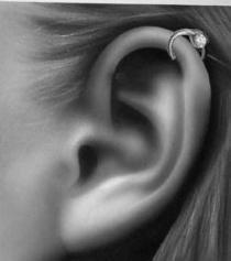 so ein helix meine ich - (Piercing, Ohr, Helix)