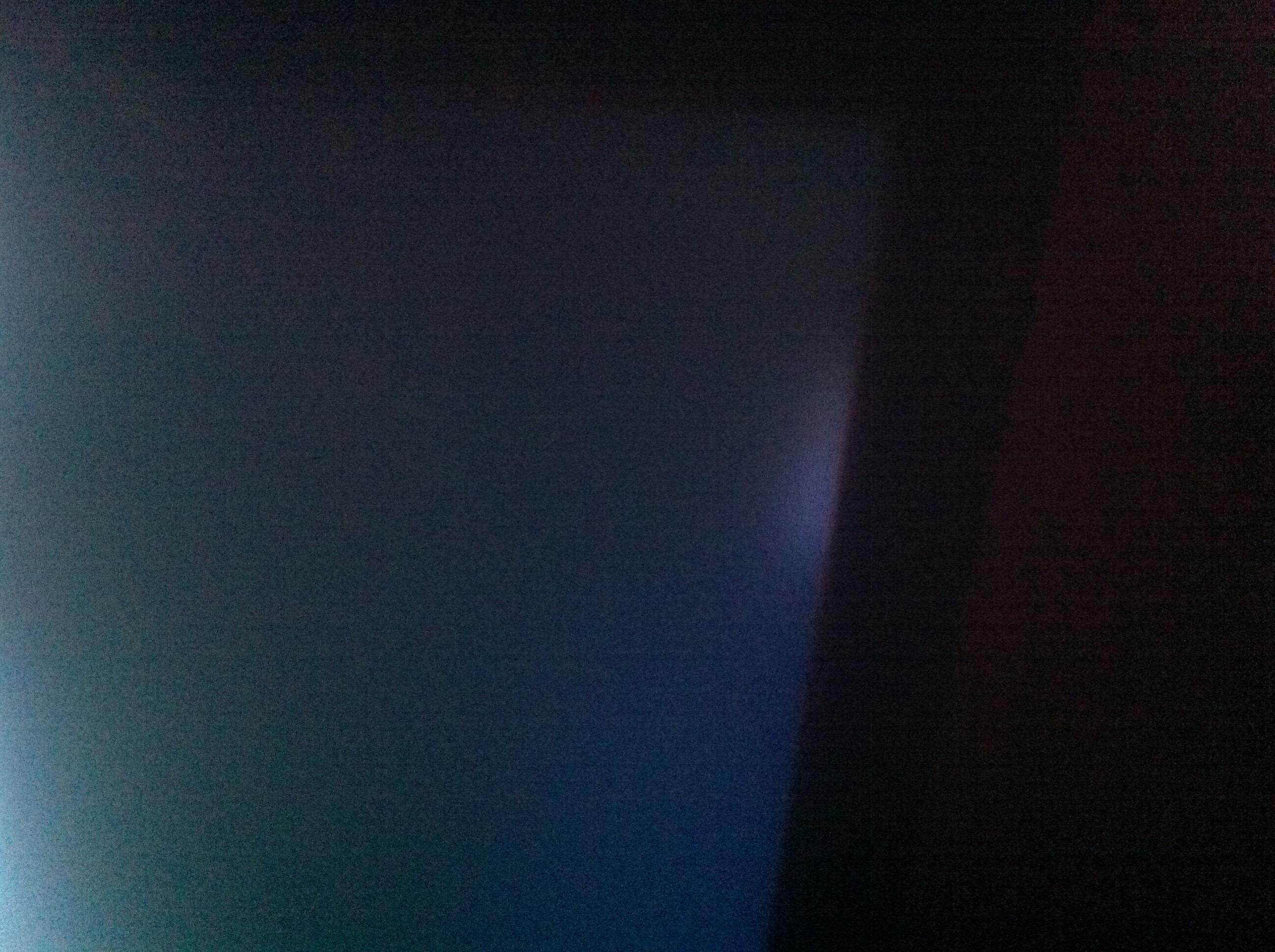 heller fleck auf samsung led tv mit bild was ist kaputt. Black Bedroom Furniture Sets. Home Design Ideas
