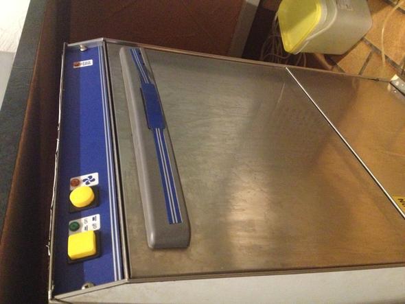 Spülmaschine - (Gastronomie, Spuelmaschine, Geschirrspüler)
