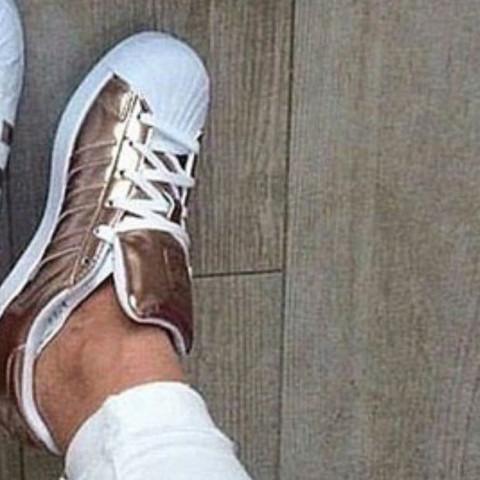Die hier  - (Schuhe, geil)