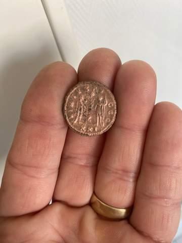 - (Geld, Münzen, Antiquitäten)