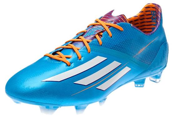 Die Farbe ist egal nur das Modell sollte das gleiche sein :) - (Fußball, Schuhe, adidas)