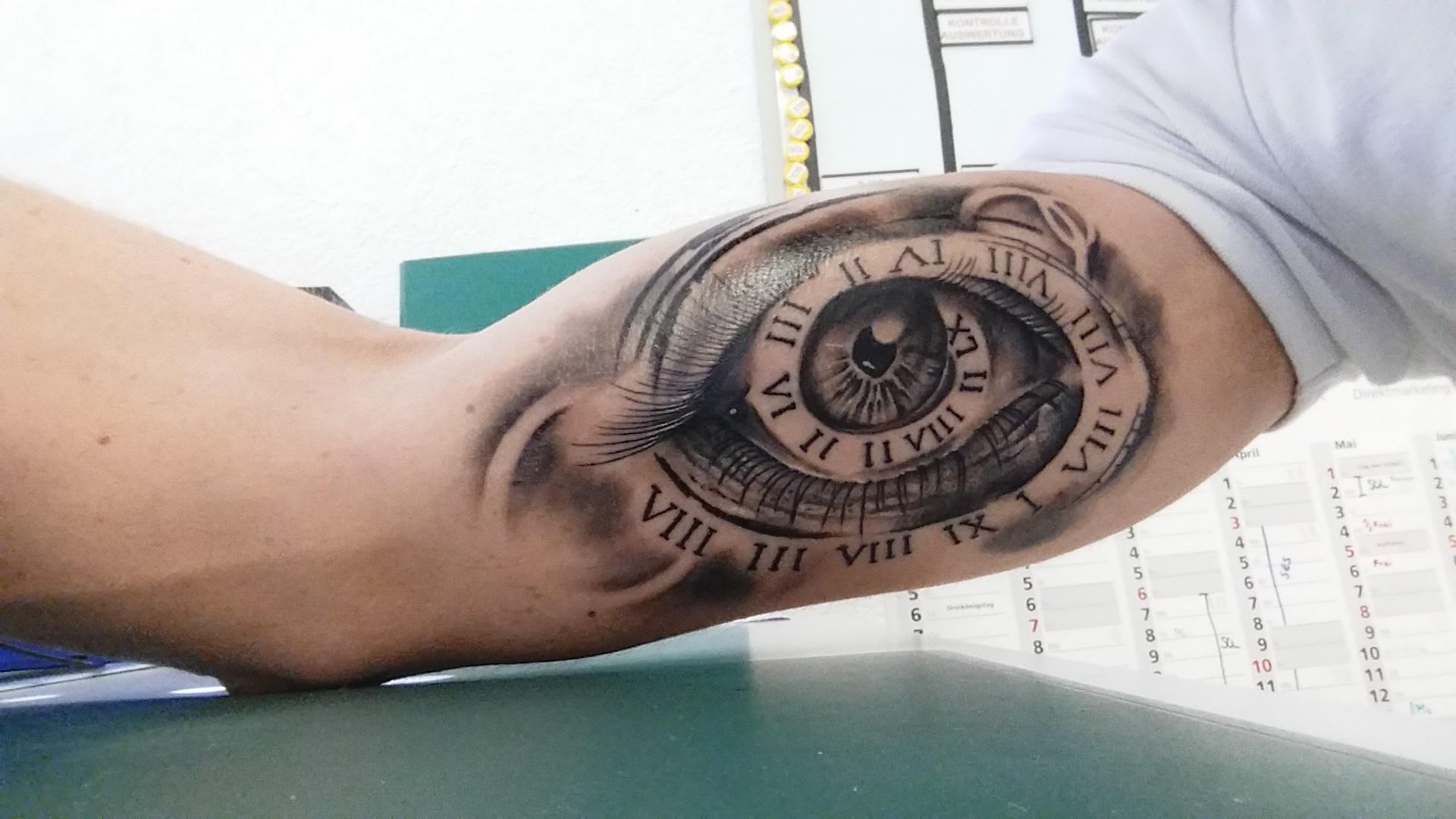 Hi wie findet ihr das Tattoo? Es ist jetzt 7 Tage alt und