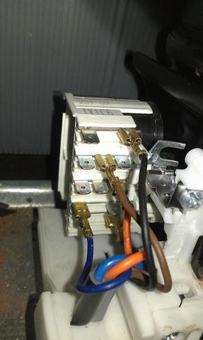 Stecker der Gefriertruhe - (Kabel, elektro, Anschluss)