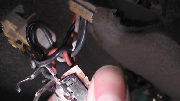 Hilfe Alte Stromkabel Von Einer Doppelsteckdose Farbe Strom Kabel