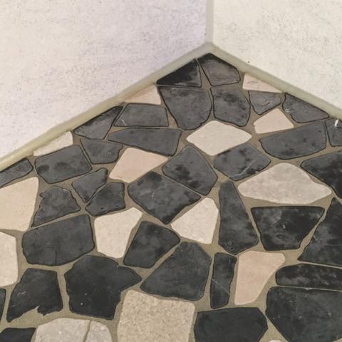 hilfe bei mosaik naturstein kalkstein fliesen. Black Bedroom Furniture Sets. Home Design Ideas