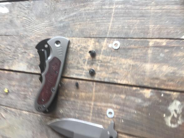 Das ist mein Messer... :( - (bauen, Messer, Outdoor)