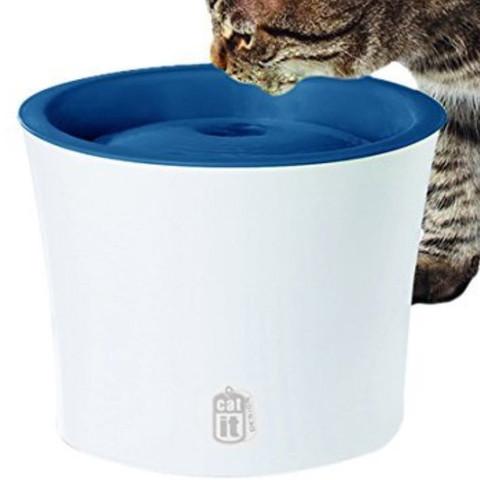 Hilfe, meine Katzen bauen den Trinkbrunnen immer auseinander! Was tun?