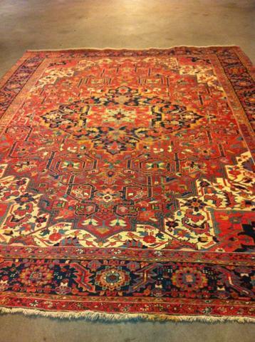 Orientteppich antik  Hilfe Orient Teppich perser teppich? antik alt (Auktion)